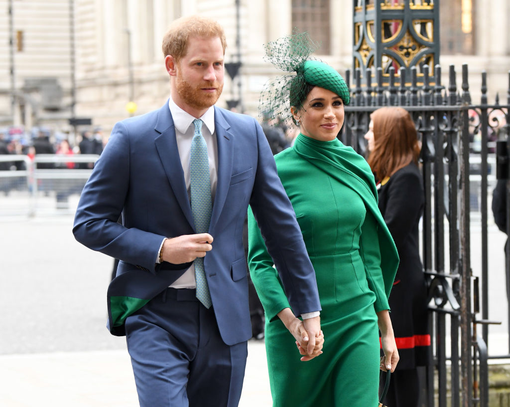 Prins Harry och Meghan Markle's Tell-All Book could Savage the Royal Family With Their 'True Story, Insiders Fear