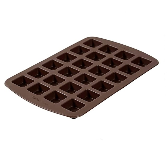 Flexible Silicone Brownie Pans to Make Your Bakes Easier