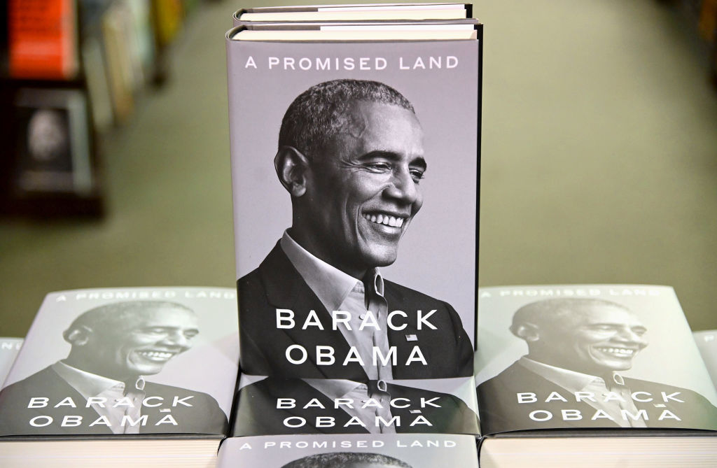 """Barack Obama's Highly-Anticipated New Memoir """"A Promised Land"""" Sells A Record 1.7 Million Copies In First Week Of Release"""