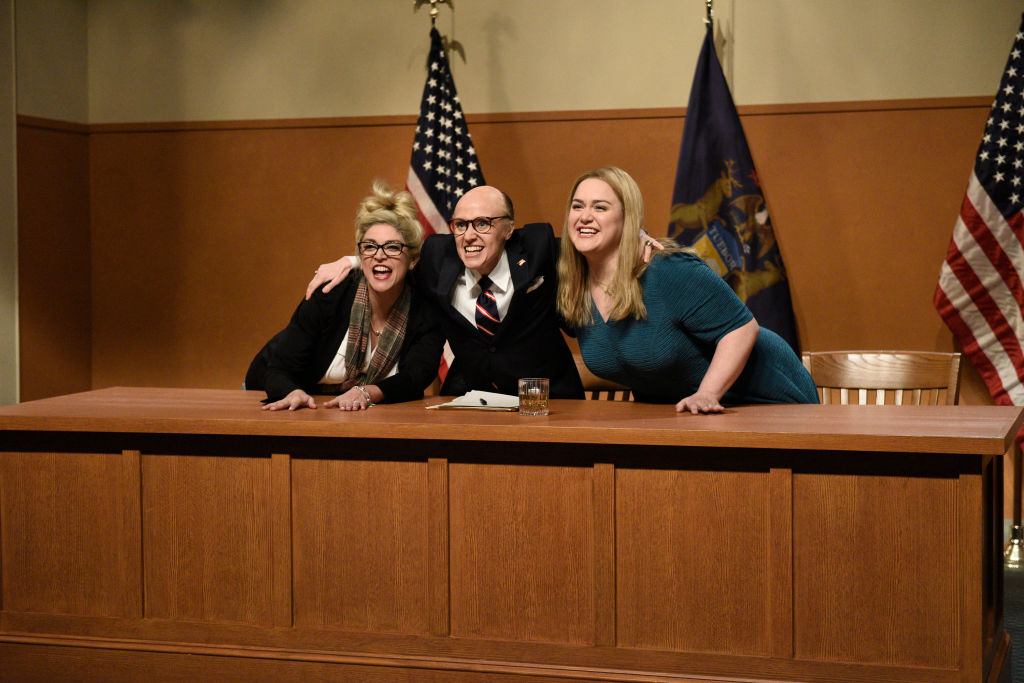 """#MAGAIsCancelled: """"Saturday Night Live"""" Drags Giuliani And Weirdo Trump In Hearing And Weekend Update Skits [VIDEO]"""